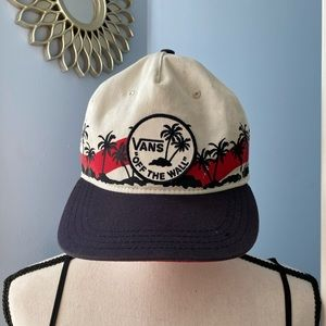 Unisex Vans Trucker / SnapBack hat gently worn